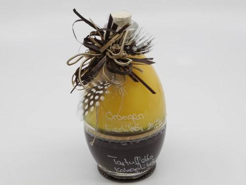 Orangen-Eierlikör und Tartuffetto in Osterei-Flasche