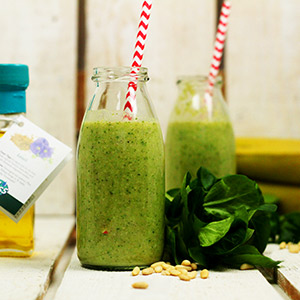 Grüner Smoothie mit Leinsamenöl