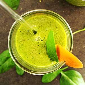 Grüner Smoothie mit Wildmango Balsam-Star